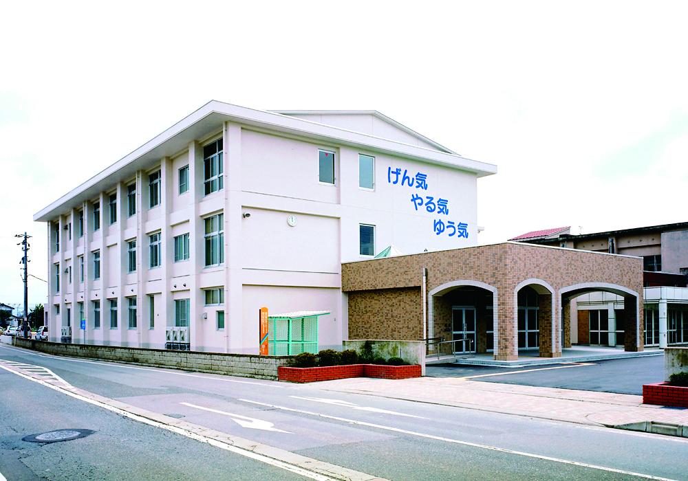 春江西小学校校舎