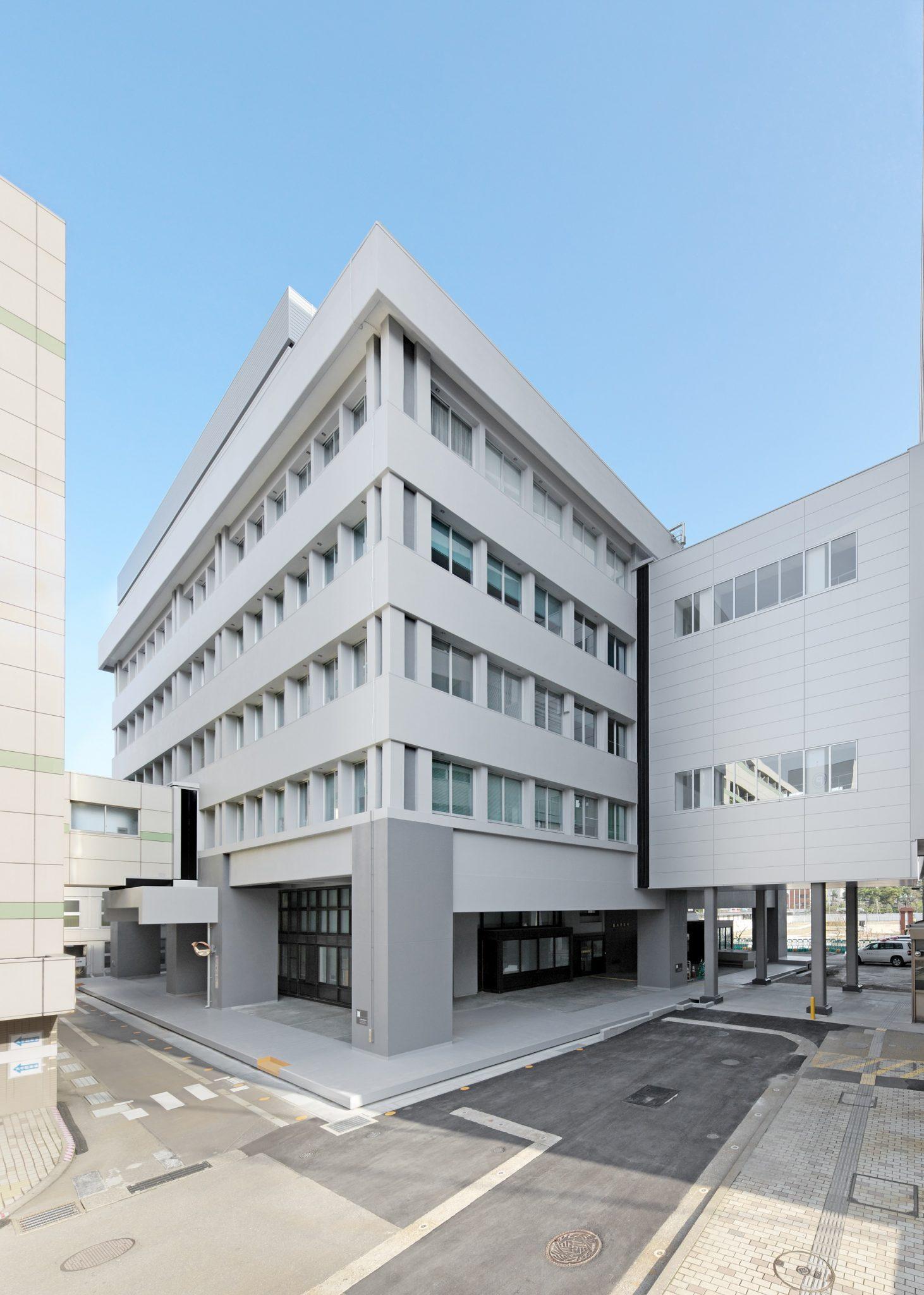 福井市庁舎別館(免震レトロフィットによる耐震補強)